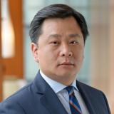 Headshot of Yong-Jae Kim